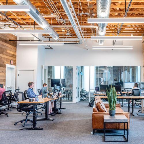 オフィスの騒音問題を解消するには?快適に働ける環境を作る方法